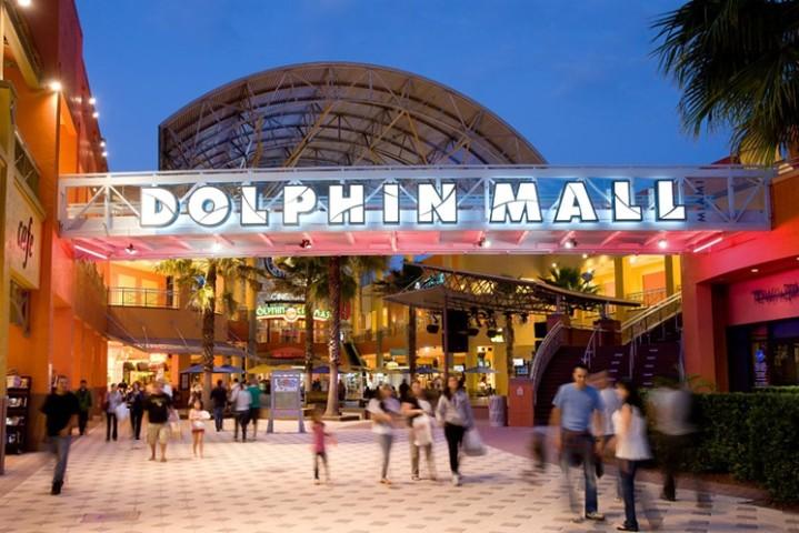 dolphin-mall 2.jpg