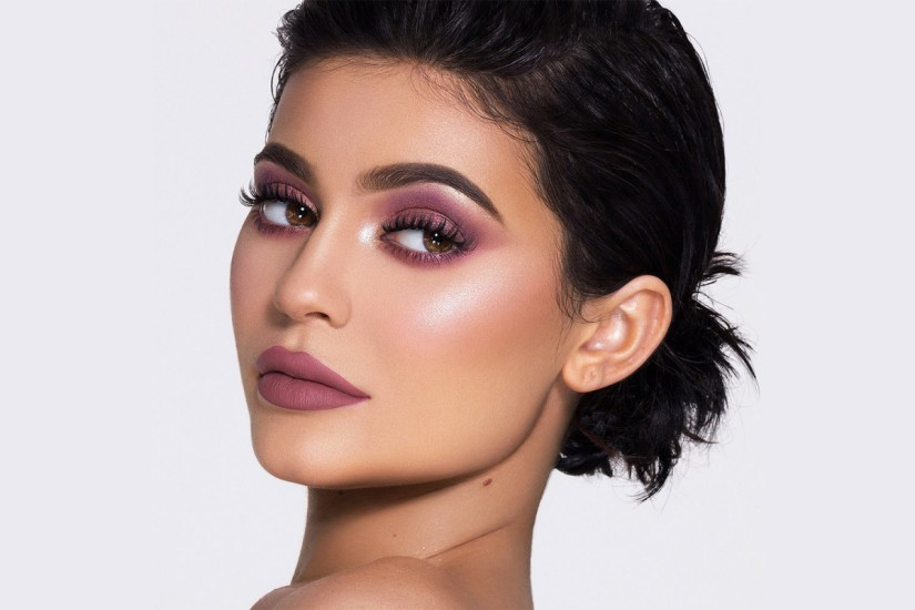 Here's How Much Kylie Jenner Makes In One Day Just Off Makeup